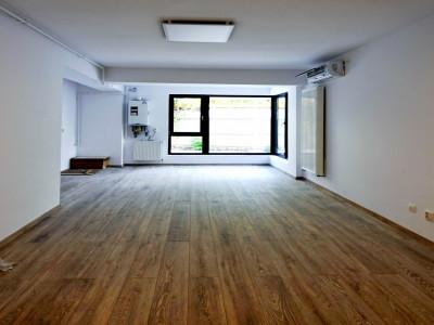 Inchiriere birou 3 camere, parter, bloc nou Calea Calarasilor