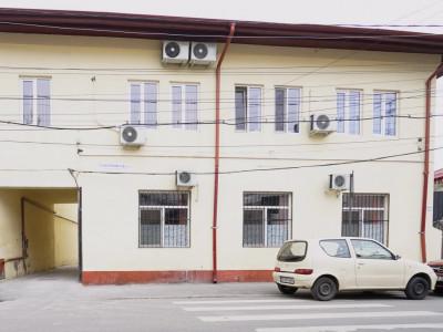 Inchiriere la parter de vila 2 camere decomandate zona Mosilor, Eminescu